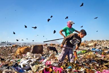 nicaragua-la-chureca-trash-vultures
